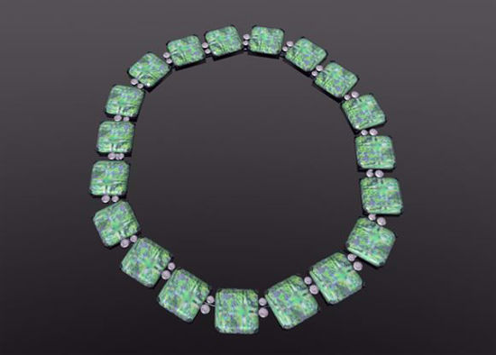 Picture of Emerald and Diamond Necklace Model Poser Format